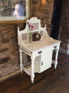 Lovely Vintage painted Washstand